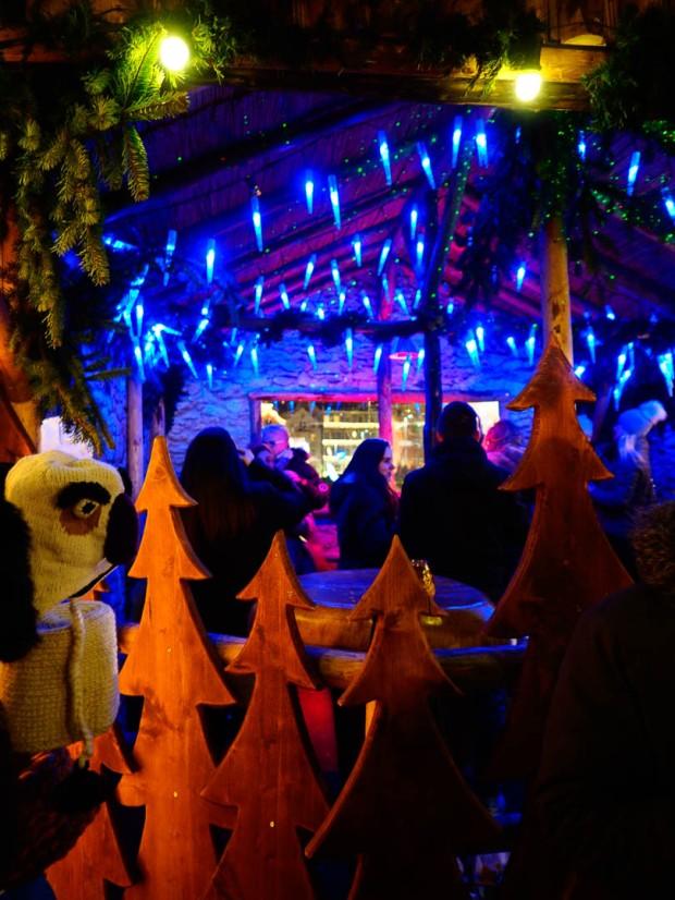 innsbruck-weihnachtsmarkt-bunte-hutte