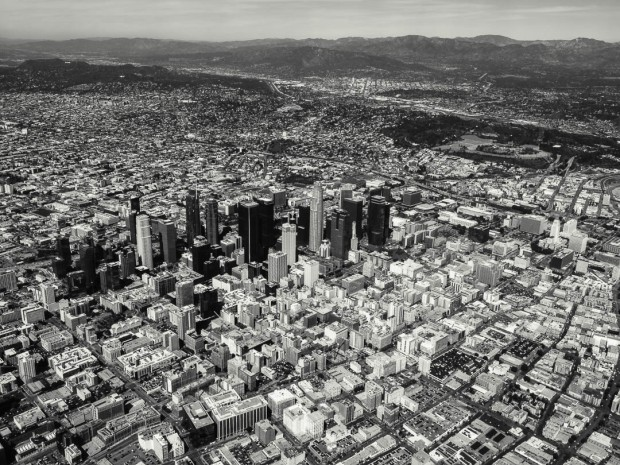 Monochrom Aerial Photography 08