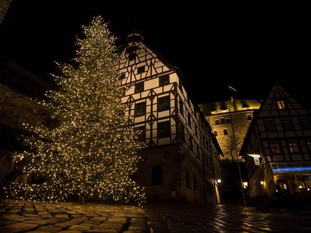 Am Tiergärtnertor |Nuremberg |2017 1/60 sec @f/2 and ISO 1600